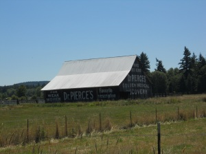 an old barn that called to our attention on one of the back roads to Centralia